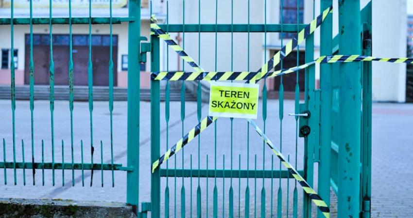 """""""TEREN SKAŻONY"""" – wykorzystywanie pandemii do walki z kultem religijnym"""